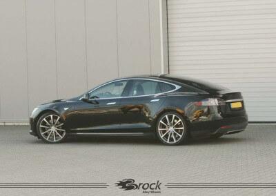 Tesla Model S Brock B32 HGVP
