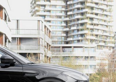 21 Zoll - Brock B41 Alufelgen auf dem Jaguar E-Pace in Schwarz Glanz