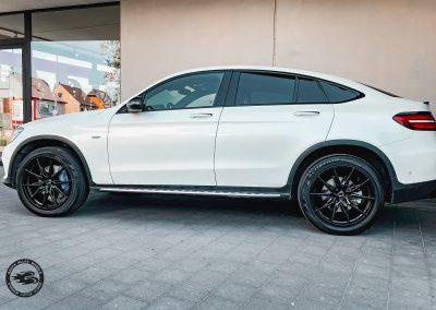 Mercedes GLC mit Brock B42 Felgen in 8.5x20 Schwarz Glanz