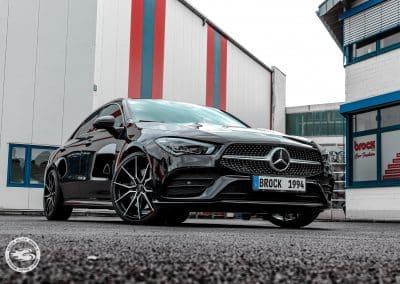 Mercedes CLA mit Brock B42 20 Zoll Felgen in Schwarz Glanz Voll-Poliert