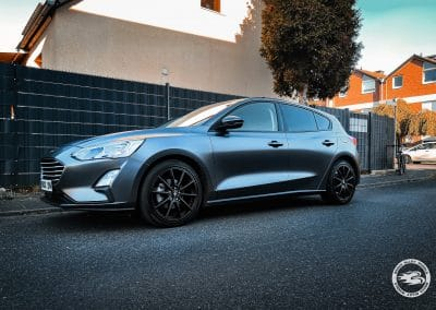 18 Zoll Alufelgen für den Ford Focus (DEH) in Satin Black Matt